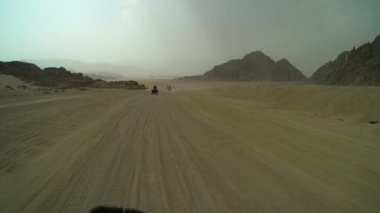 Wide shot of Egypt landscape while driving on quadro motorcycle — Stock Video
