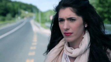 Aantrekkelijke vrouw close-ups van verschillende looks op gezicht — Stockvideo