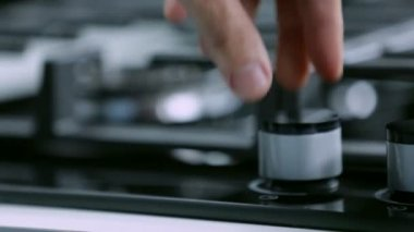 Turning on the cooktop with pushing the button — ストックビデオ