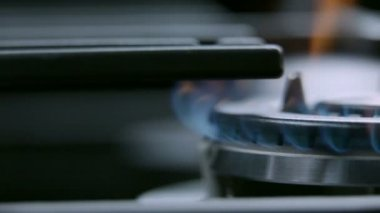 Gas cooker cooktop from close up — Stock Video