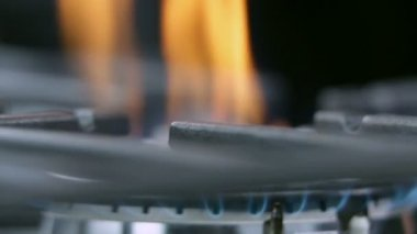 Out of gas on cooktop cooker close up — Stock Video