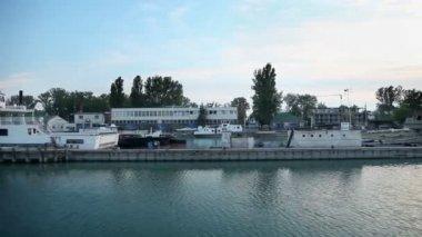 Docks of ships and industry in Lake Balaton — Stock Video
