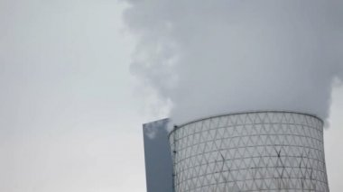 Gray smog coming out of big chimney — Stock Video