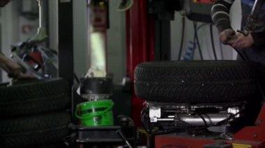 Vulcanizadores Remendar Os Pneus — Stock Video
