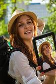 Tourist Girl Taking Selfie — Zdjęcie stockowe