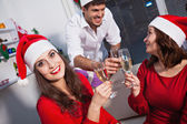 People drinking champagne on new year's eve — Stock Photo