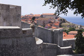 Walls of fortified Dubrovnik, Croatia — Stockfoto