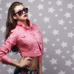 Beautiful woman portrait in sunglasses — Stock Photo
