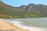 Low tide in the beautiful bay of Manao Ao Manao in Prachuap Khir — Stockfoto