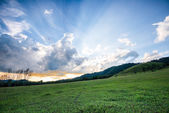 Beautiful landscape on mountain with nice sky and sun ray — 图库照片