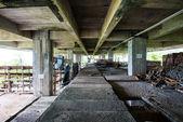 Bouw-instrumenten in verlaten gebouwen — Stockfoto
