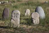 Ancient stone sculptures near Old Burana tower located on famous — Foto Stock