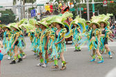 Costumed revelers march with floats in the annual Dream Parade o — Foto de Stock