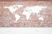 červené brickwall s země omítky — Stock fotografie