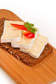 Donker gefokt met kaas — Stockfoto