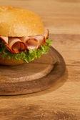 Batata frita em wodden prato — Foto Stock