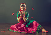 Indian dancer — Stock Photo