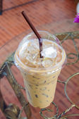 Boire du café froid avec de la glace — Photo