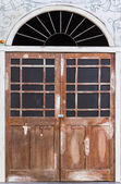 Old wooden door — 图库照片