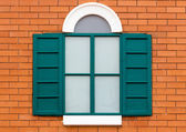 Green wooden window — 图库照片