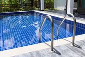 Bazén s schodiště — Stock fotografie