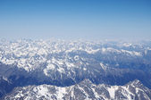 View of the Caucasus mountains from the West peak of Elbrus — Foto de Stock
