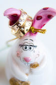 Wedding rings on the rabbit figurine — Foto Stock