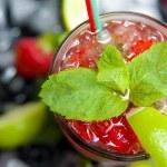 Strawberry mojito isolated — Stock Photo