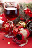 Wine glass and bottle of wine — Stock Photo