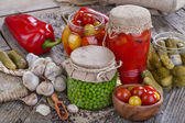 Canned vegetables — Stock Photo