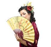 Kaukaski kimono kobieta posiadający tradycyjny — Zdjęcie stockowe