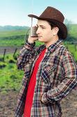 Cowboy man romantische westerse ballades luisteren — Stockfoto