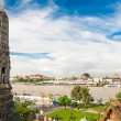 The Temple of Dawn Wat Arun and blue sky — Stock Photo