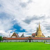 Thai-tempel ist ein ort für religiöse aktivität — Stockfoto