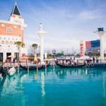 The Venezia Hua Hin, a shopping venue in Venice style near famous beach resort towns — Stock Photo #37393977