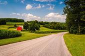 Gospodarstwa wzdłuż drogi kraj na południu hrabstwa york, pa. — Zdjęcie stockowe