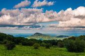 Prato e la vista della vecchia montagna unità skyline in shenando di pezza — Foto Stock