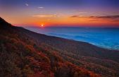 Pôr do sol de outono sobre o vale de shenandoah e miradouros dos apalaches — Foto Stock