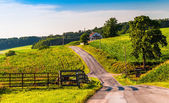 Farm fields along a country road in rural York County, Pennsylva — Stock Photo