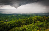 Funnel cloud and spring rainstorm over the Shenandoah Valley, se — Stock Photo