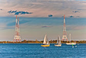 Radio towers and sailboats in Annapolis, Maryland. — Stock Photo