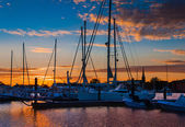 Sunset over boats in a marina in Annapolis, Maryland. — Stock Photo