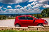 Pequeno hatchback vermelho e exibição de york, pensilvânia. — Foto Stock