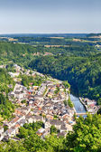 The city of Vianden with river Our and hill tops — Foto de Stock