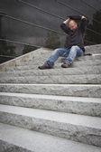 Fâché homme d'affaires travaillant à l'extérieur — Photo