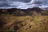 雲が劇的な火山風景 — ストック写真