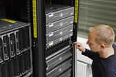 -técnico manutenção san e servidores — Foto Stock