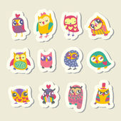Set of cartoon owls stickers — Stock Vector