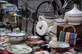 Mercado de antiguidades de relógio de mesa antiga — Foto Stock