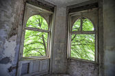 Windows on the old house — 图库照片